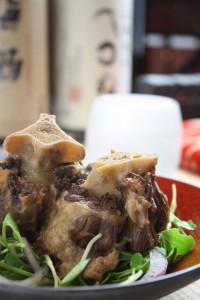 牛テール黒胡椒焼